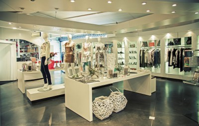 Emejing Retail Clothing Store Design Ideas Contemporary - Interior ...